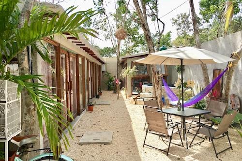 圖盧姆鄉村客房近海灘飯店/