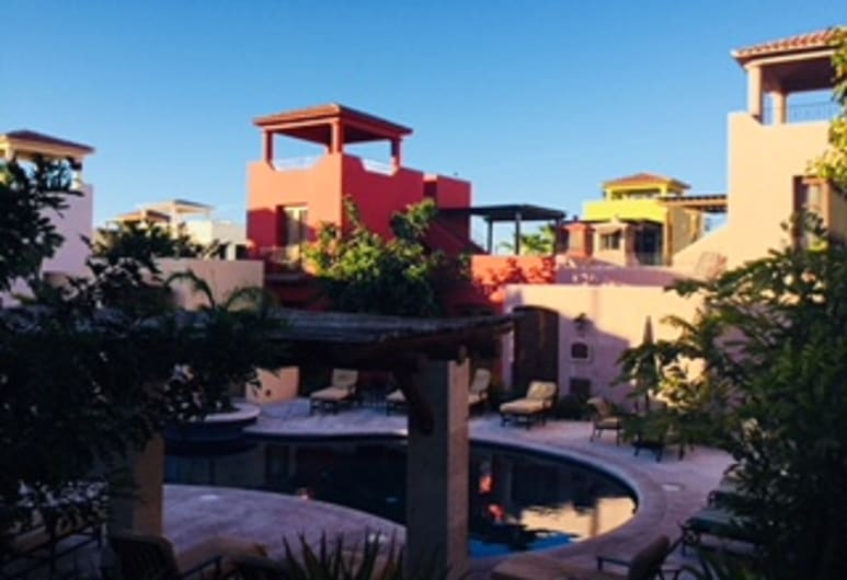 Av054 - Luxusvilla vor dem Pool, Loreto