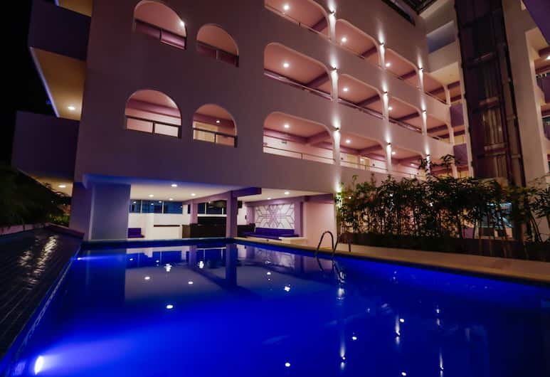 Hotel Kavia, Cancún, Habitación superior, balcón, torre, Vista de la habitación