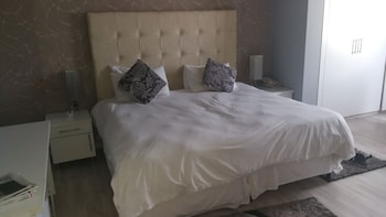 Picture of The Parkview Hotel - Room 711 - Adults Only in Durban
