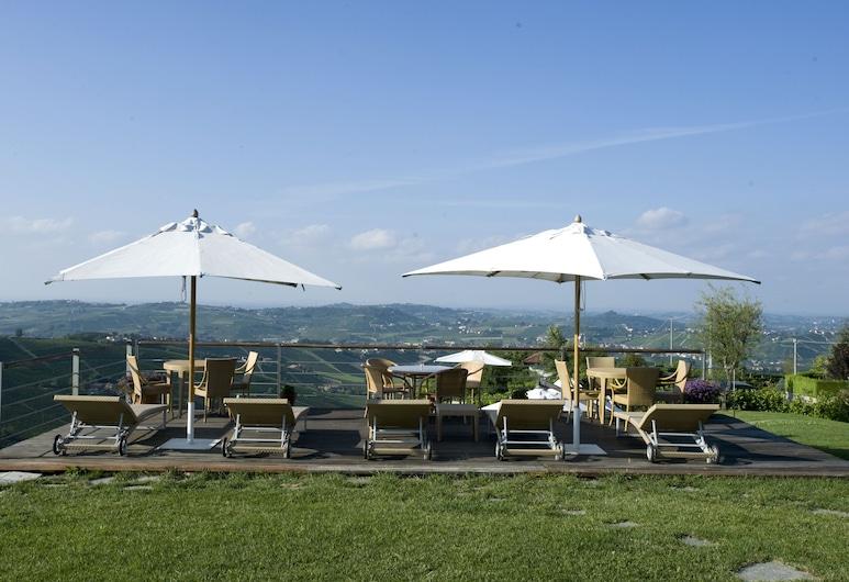 Albergo Castiglione Langhe, Castiglione Tinella, Rooftop Pool