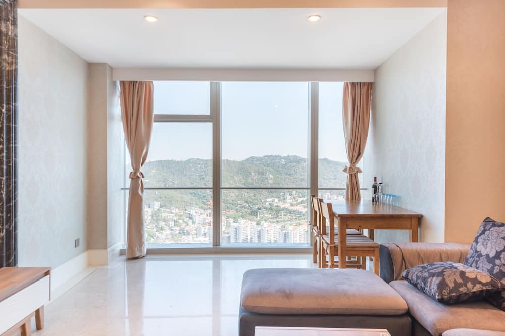 Two-Bedroom Apartment, Half Sea View - Living Room