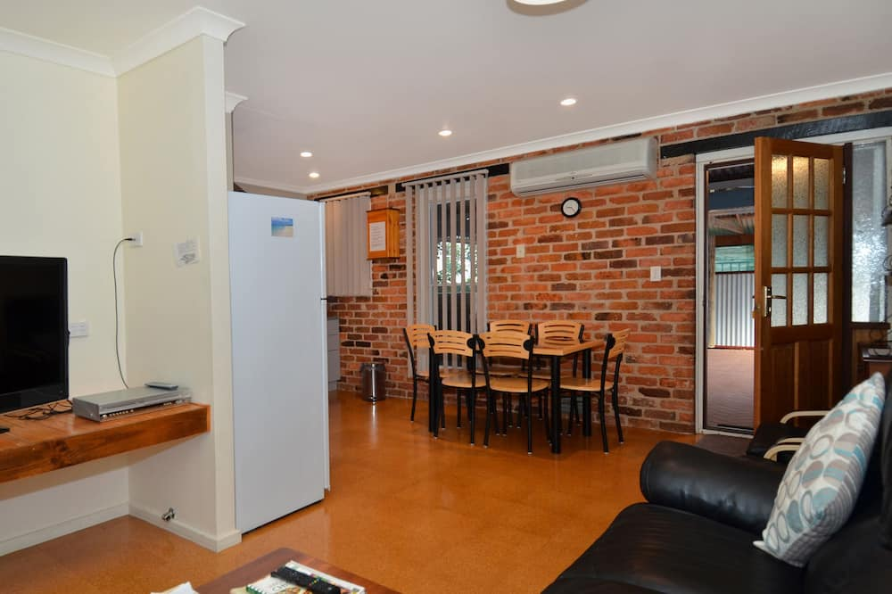 Семейная вилла, 3 спальни, для людей с ограниченными возможностями, внутренний двор - Зона гостиной