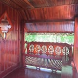 Signature Bungalow, 1 King Bed - Balcony