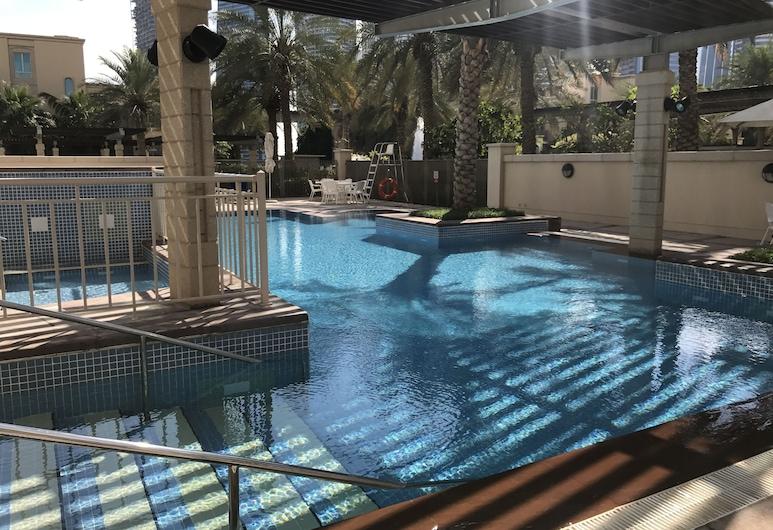 يانجون هوليداى هومز - شقق مسك, دبي, حمّام سباحة خارجي