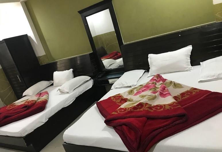 Hotel Dwarkadhish Intercontinental, Yeni Delhi, Basic Tek Büyük Yataklı Oda, Oda