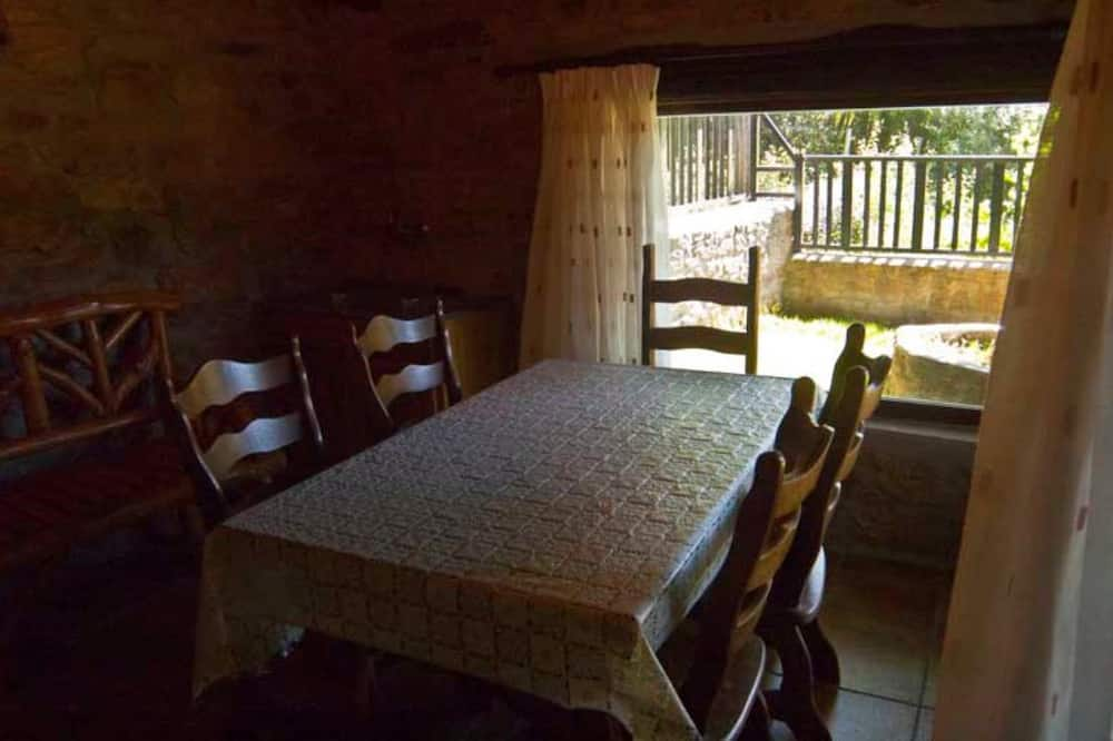 Cottage, Garden View - In-Room Dining