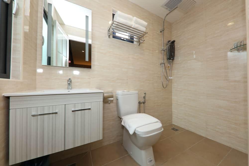 Deluxe Room, No Windows (Superior) - Bathroom Shower