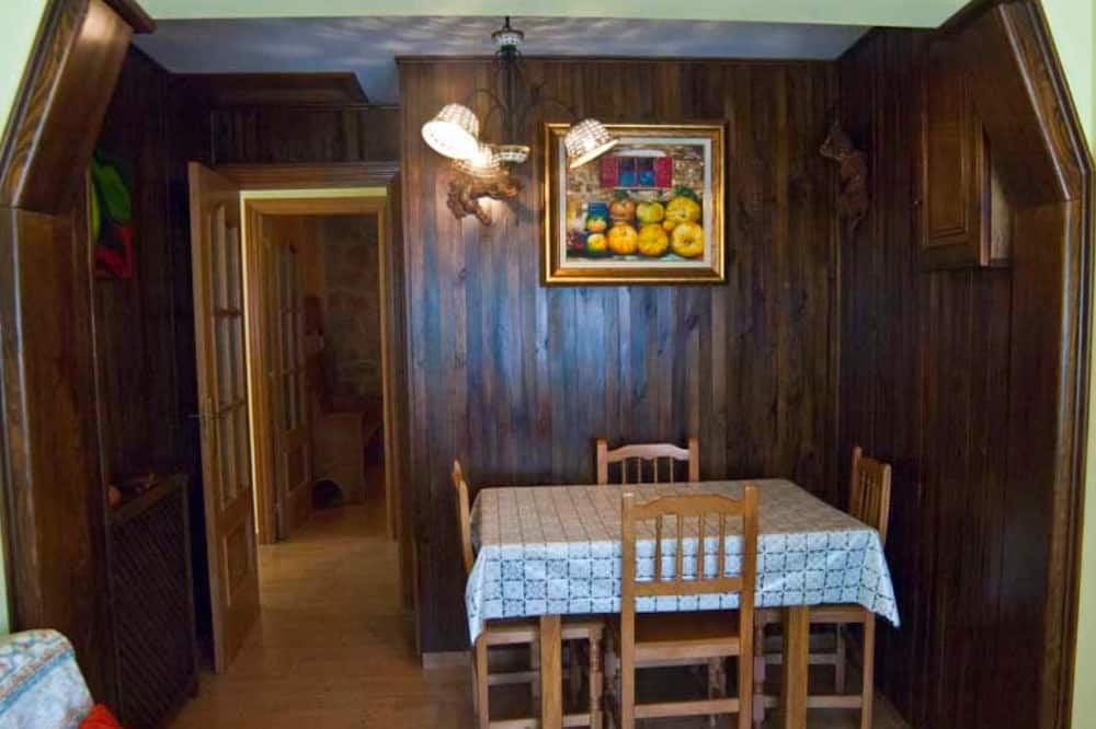 House, 2 Bedrooms, Garden View - In-Room Dining