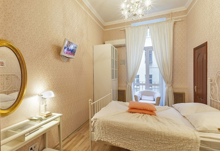 Friends apartment on Vosstaniya, San Pietroburgo