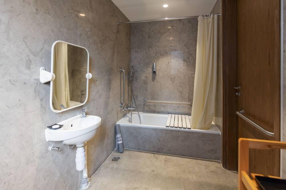 高級雙人房 (無障礙房間) - 浴室