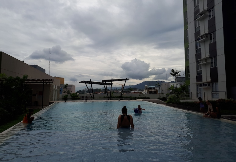 سينتريو تاور ستوديو يونيت, Cagayan de Oro, حمّام سباحة خارجي