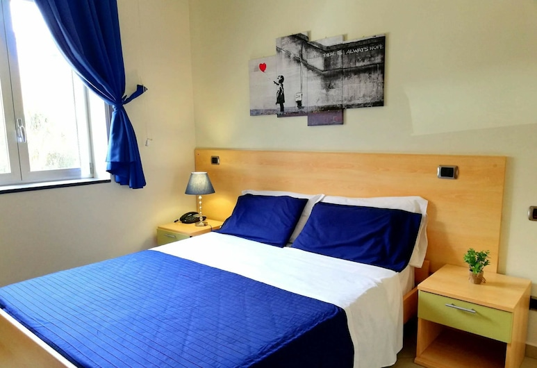 Central Room Fortuna, Pompei, Comfort Triple Room, Guest Room