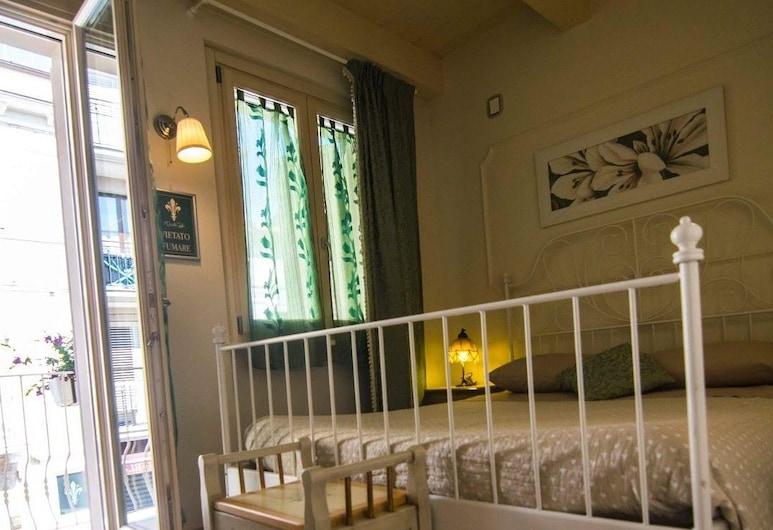 Il Piccolo Giglio, Порто-Сант'Эльпидио, Двухместный номер «Делюкс» с 1 двуспальной кроватью, балкон, вид на город, Номер