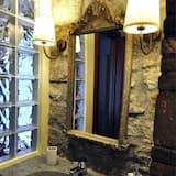 ห้องโรแมนติกดับเบิล, เตียงควีนไซส์ 1 เตียง, ห้องน้ำส่วนตัว, วิวสวน - ห้องน้ำ