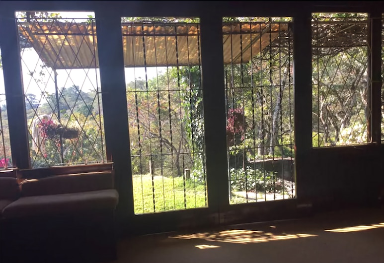 Coolwaters, Mutare, Chalet, 3 Bedrooms, Living Room