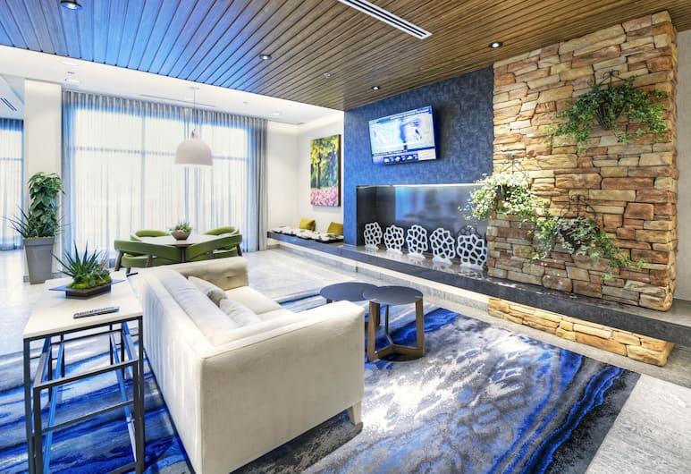 Fairfield Inn & Suites by Marriott Ottawa Airport, Ottawa, Lobby Sitting Area