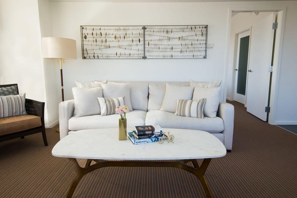 Presidential Studio Suite, Kitchenette - Living Area