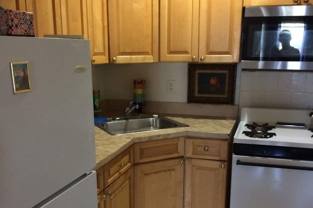 Double Room, Non Smoking, Shared Bathroom - Shared kitchen