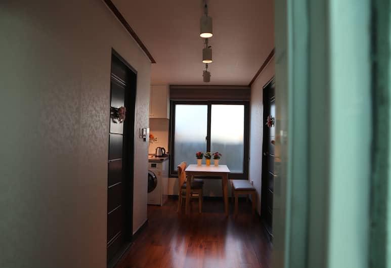 BUTLER:LEE SEOULSTATION, Seoul, Suite (2 bed rooms), Living Area
