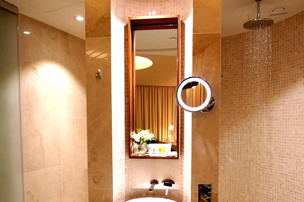 Double Plus Room (Maximum 12 Hours Stay) - Badezimmer