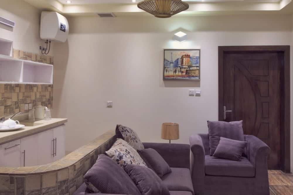 شقة - غرفتا نوم - منطقة المعيشة