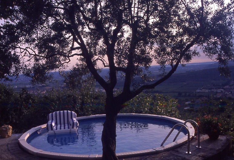 Villa Valpolicella, Marano di Valpolicella, Basen odkryty