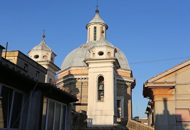 Casa Ponte Sisto, Rome, Exterior
