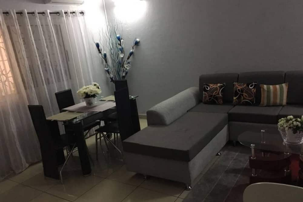 Апартаменты, 2 спальни - Гостиная