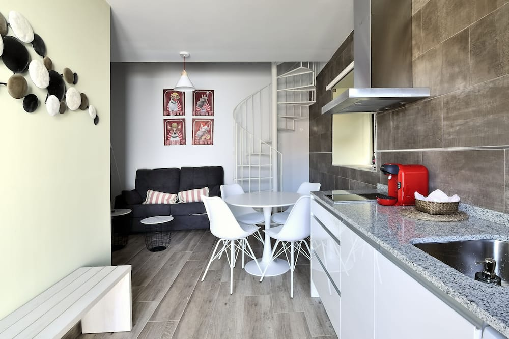 公寓, 露台, 泳池景觀 - 客廳