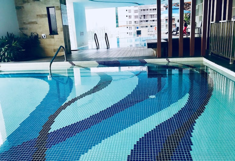 Henry Apartment Luxury Studio, Ho Chi Minh City, Indoor/Outdoor Pool