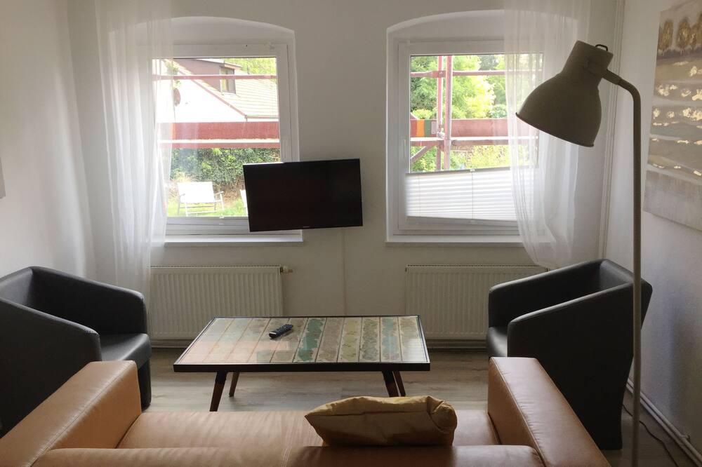 Apartment, 2 Bedrooms (Hofgard) - Living Area