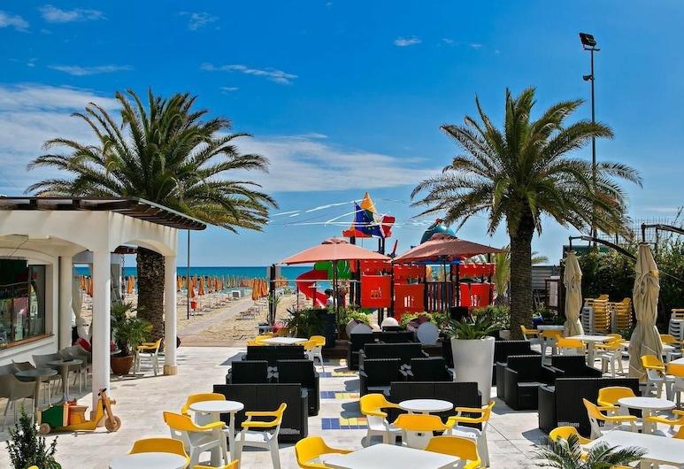Hotel Antares, San Benedetto del Tronto, Beach