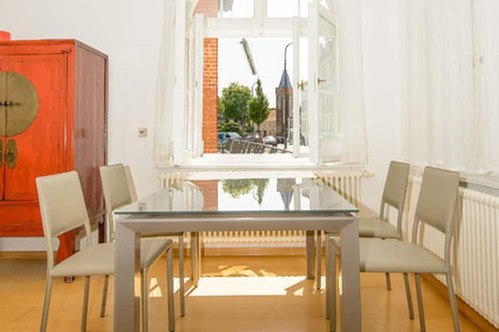 Apartment (Lotus) - Essbereich im Zimmer