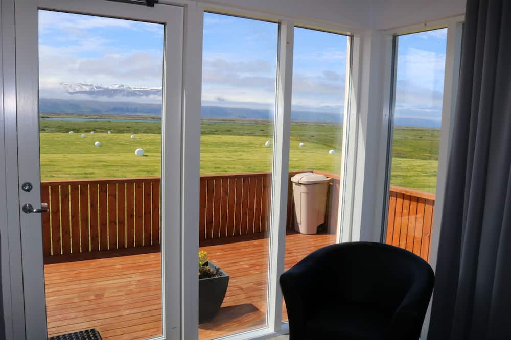 Cottage, 1 Queen Bed, Mountain View - Terrace/Patio