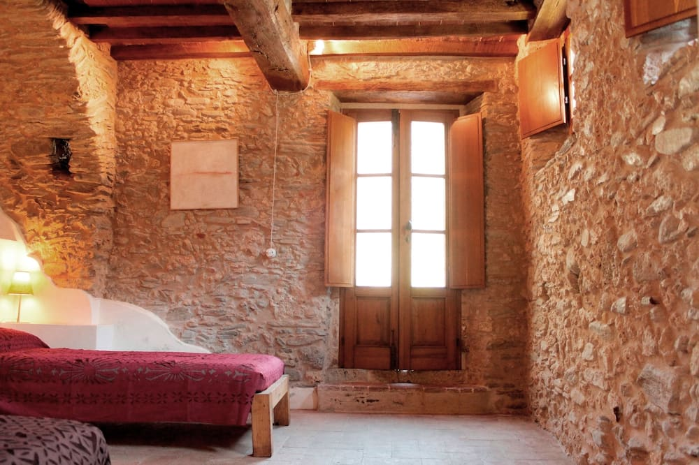 Traditional Suite, 2 Bedrooms, Non Smoking, Private Bathroom - Guest Room