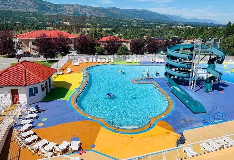 Mountain View Suites at Fairmont Hot Springs, Fairmont Hot Springs, Outdoor Pool