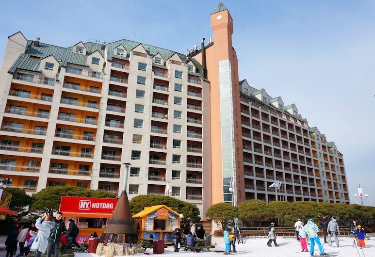 Yangji Pine Resort, Yongin, Front of property