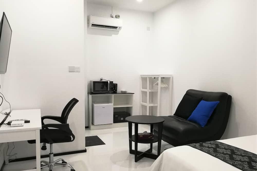 Superior Single Room - Living Area