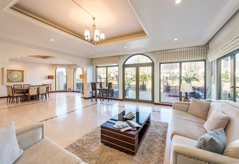 Palm Jumeirah Villa in Frond O by Deluxe Holiday Homes, Dubai, Villa - 6 sovrum, Vardagsrum