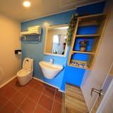 Standard-Vierbettzimmer, 2Doppelbetten - Badezimmer