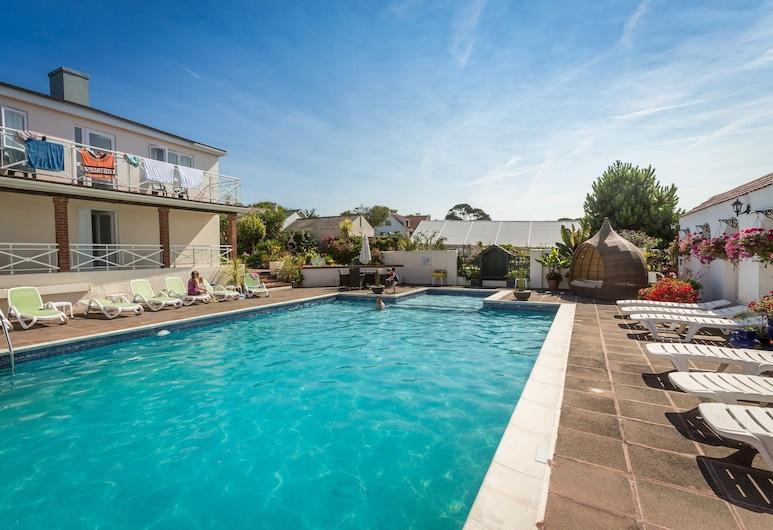 Beau Vallon Holiday Apartments, St. Saviour (Guernsey), Kolam Renang