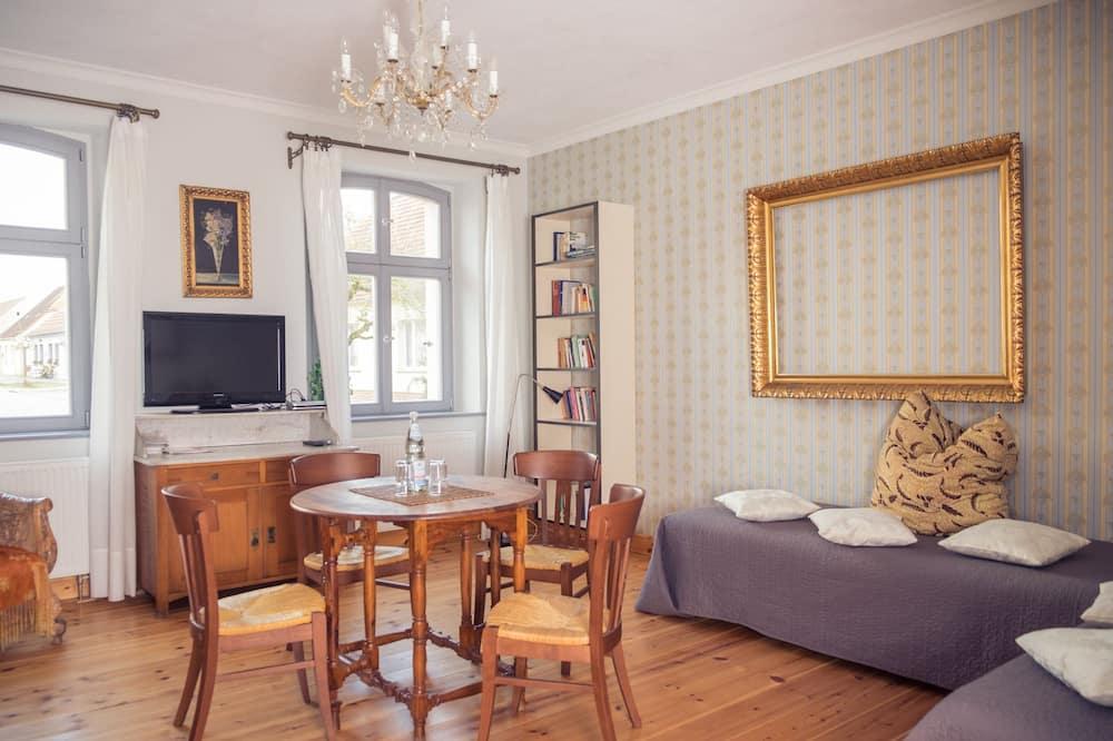Apartment (Heinrich) - Living Room