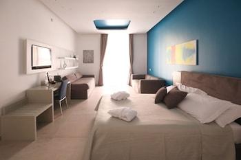 Picture of Toledo 16 Luxury Suites in Naples