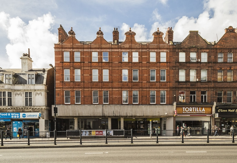 Smart Stay Swiss Cottage, London, Hotel Front