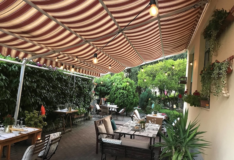 HOTEL VILLA GLORIA, Varazze, Γεύματα σε εξωτερικό χώρο