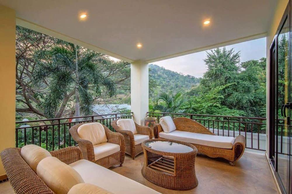 4-Bedroom Pool Villa - Terrace/Patio