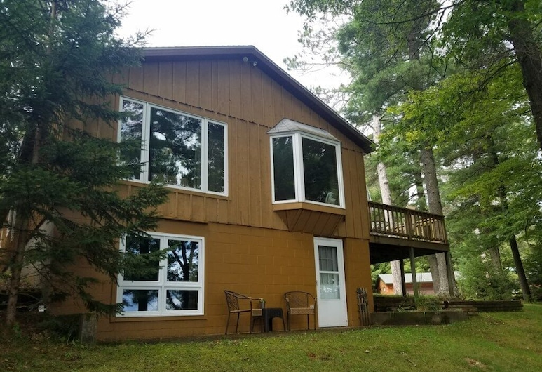 Brandy Lake Getaway 3 Bedroom Home, Woodruff