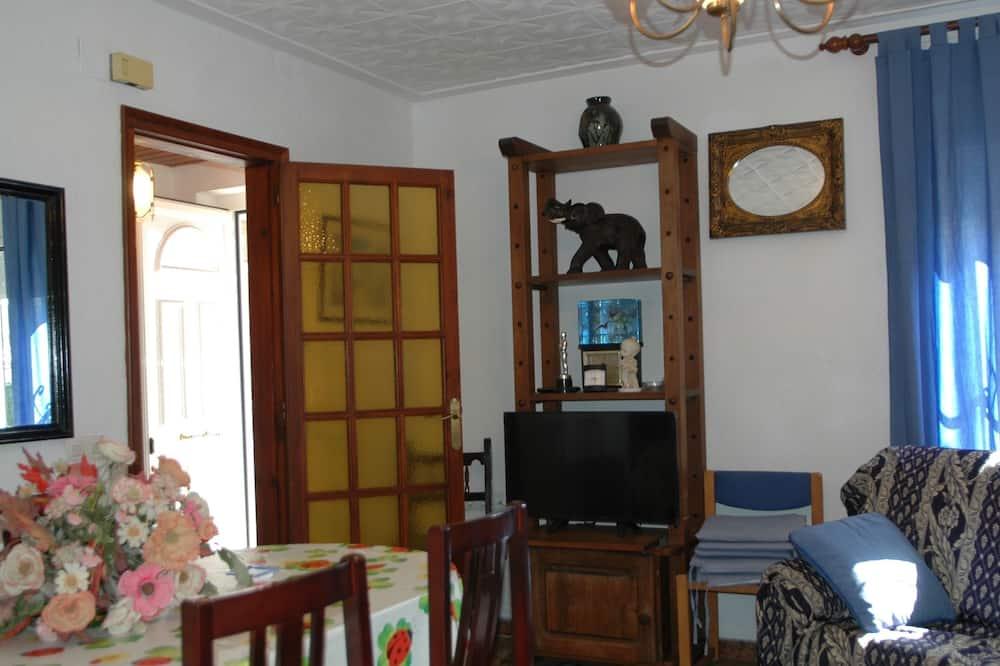 Nhà gỗ, 5 phòng ngủ, Hiên - Phòng khách