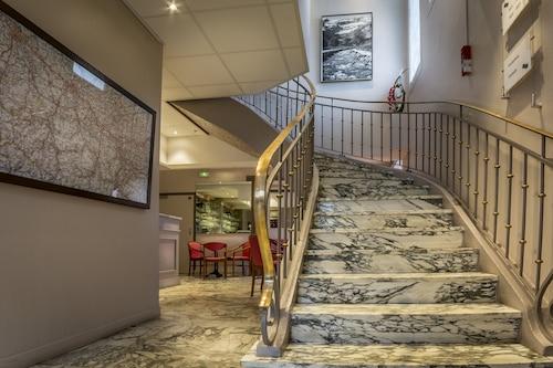 奧普林姆羅斯酒店/